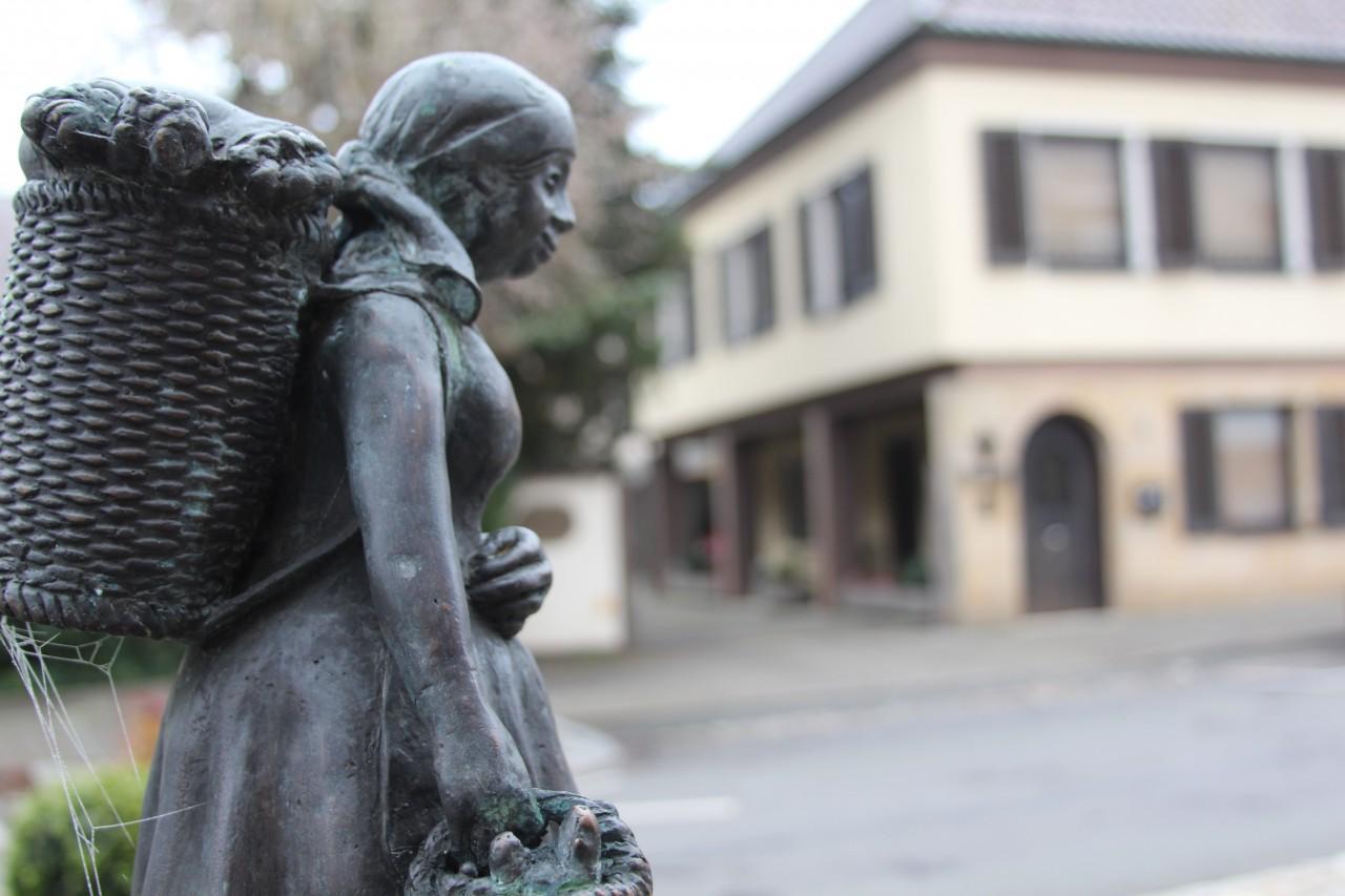 Echte Powerfrau: Krenweib-Statue in Baiersdorf.
