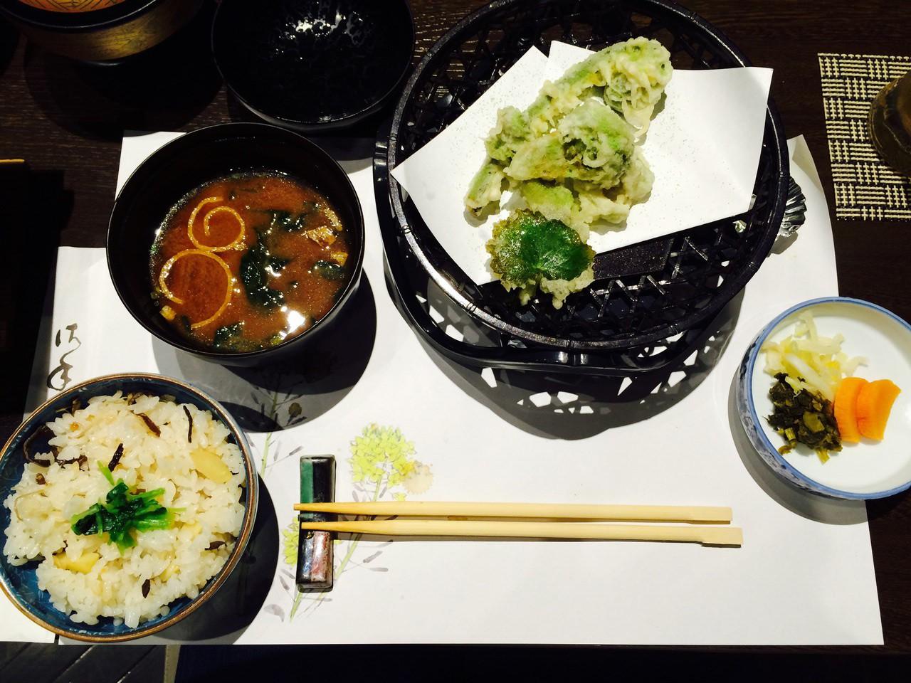 Grün und scharf: Wasabi darf in der japanischen Küche nicht fehlen.