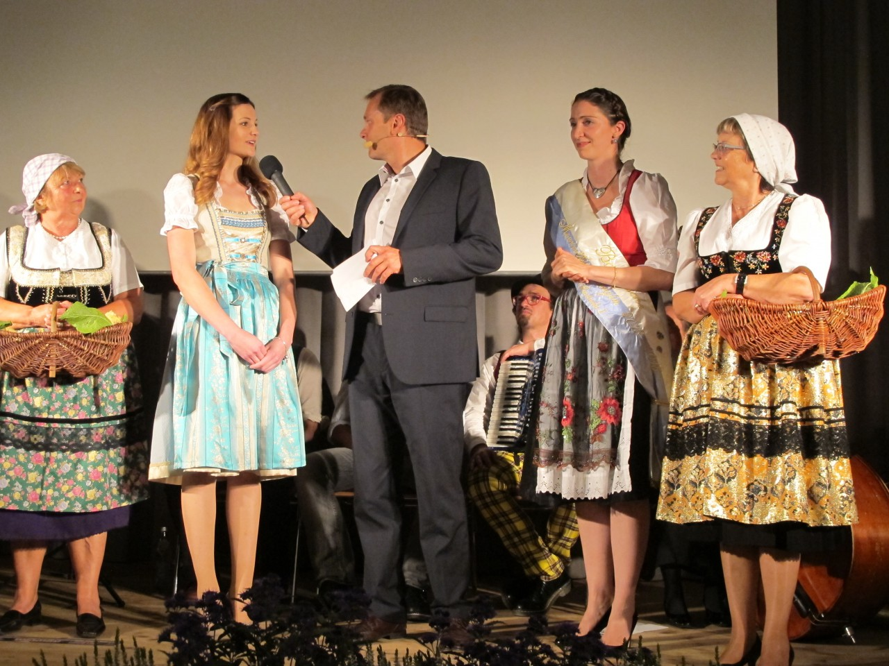 Isabella I. dankt ab. Bis 2017 wird Christine I. den Bayerischen Meerrettich repräsentieren.