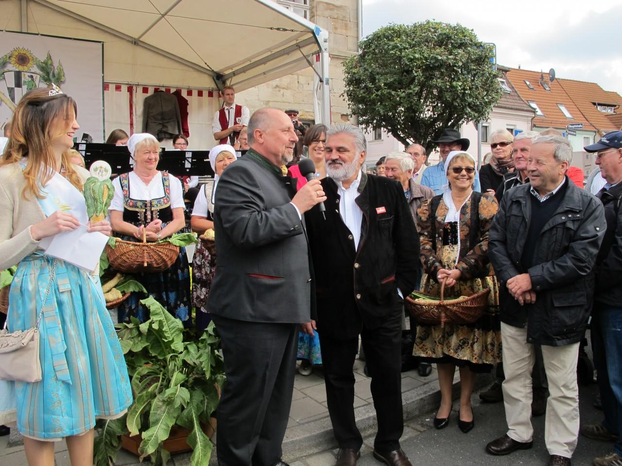 Hanns-Thomas Schamel auf dem Krenmarkt.