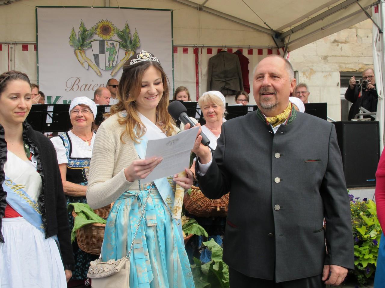 Einer von vielen großen Auftritten: Christine I. eröffnet den Krenmarkt 2015.