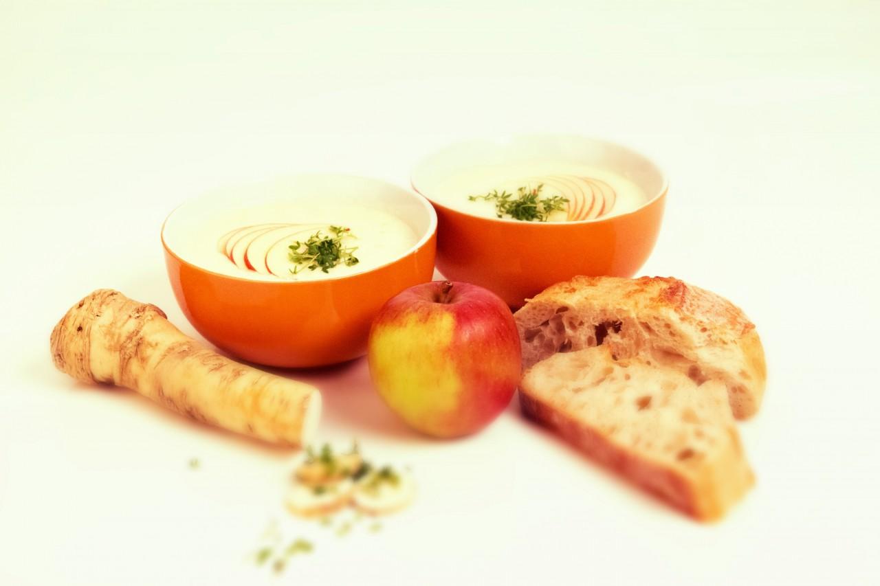 Die Vorspeise: Apfel-Meerrettich-Suppe.