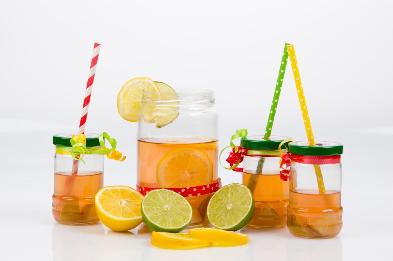 Süße Sommererfrischung: Limonade aus Schamel-Gläsern.